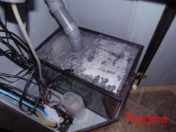 オーヴァーフロー水槽の濾過システム