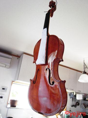 ヴァイオリンキットを塗装